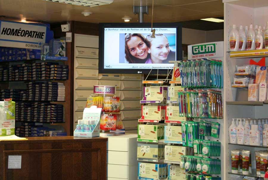 Digital Signage Display in Drugstore, France