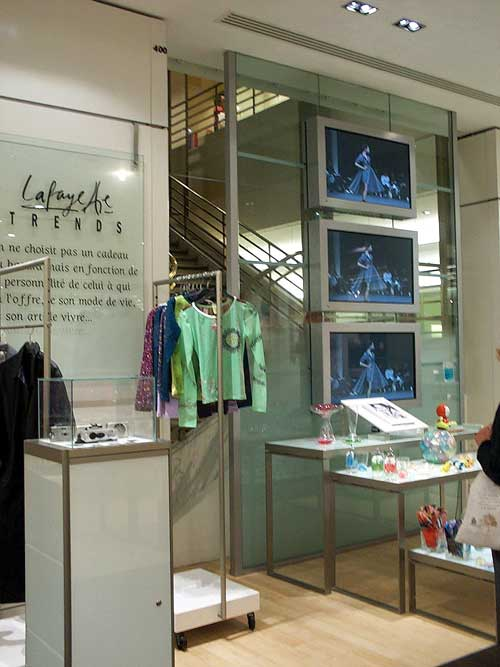 Interactive Digital Display for Retail Store